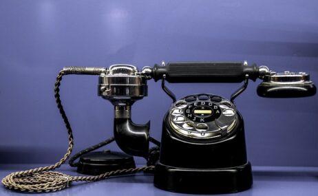 占い依存症?電話占いの利用頻度とは?