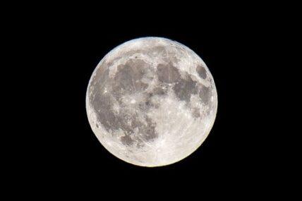 満月を意識するとムーンパワーを活かすことができる